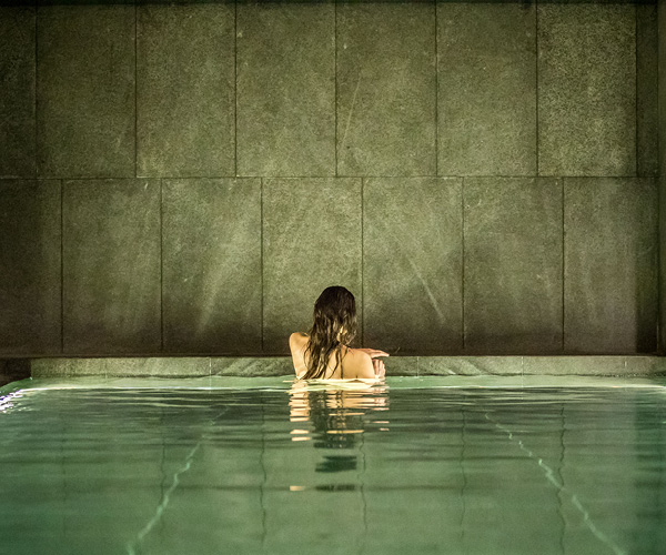 AWAY Spa by W Amsterdam Rooms & Dining